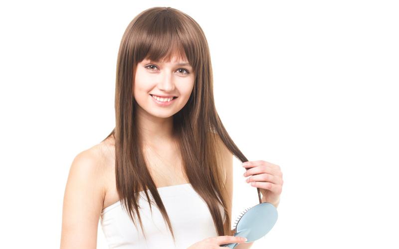 喫煙や間違ったケアで毛が抜ける?女性の薄毛の原因になるものは?
