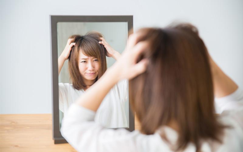 ダイエットのし過ぎで女性の髪の毛が減ってしまう?対処法は?